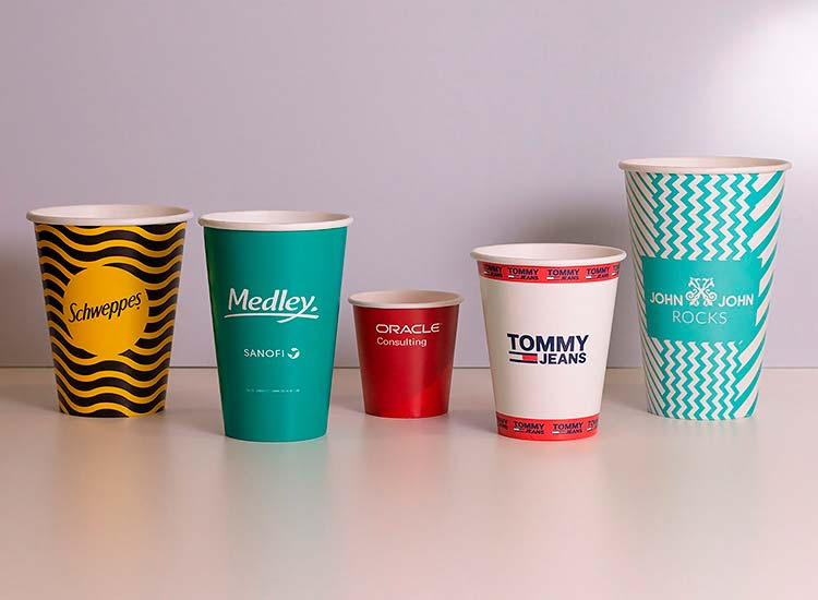 copo descartável de papel personalizado para diversas marcas como tommy hilfiger, john john